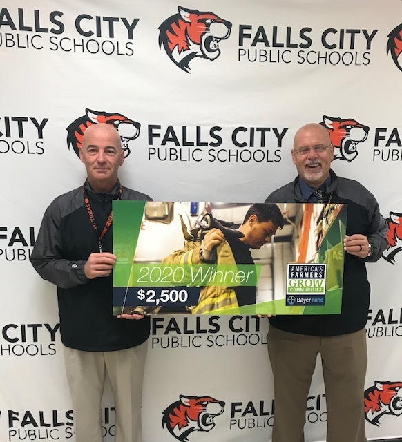 Falls City Farmer Directs America's Farmers Grow Communities  Donation to Falls City Public Schools